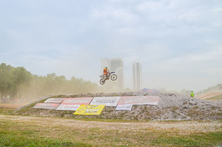 Cloud - Sky Creativity Day Dust Extream Extreme Sports Flying Motorcross  Outdoors Park - Man Made Space Sky Sport Tall - High Transportation Tree