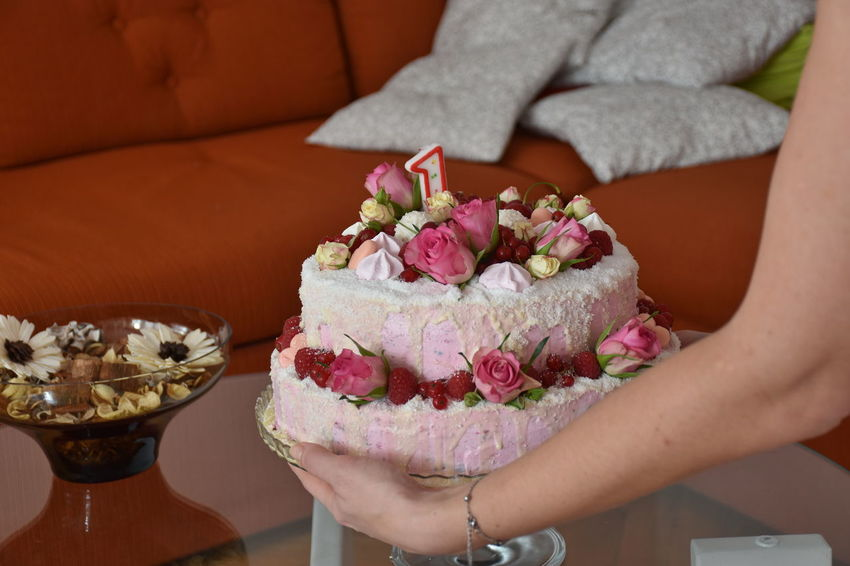 Dessert Adult Cake Closeup Flower Food Food And Drink Freshness Hand Holding Human Body Part Human Hand Indoors  Leisure Activity Lifestyles Midsection One Person Real People Sofa Sweet Food Temptation Women