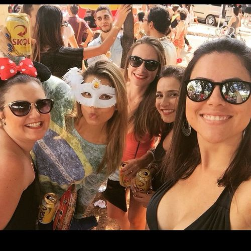 Girls no broquinho!!! Jaécarnaval Tovelha Bloquinho @mayraaugusto @lalafers @vasconcelosgabi