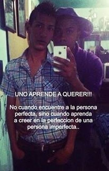 Uno a prende a querer Love Gay