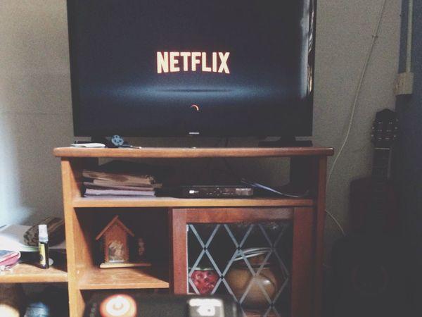 Relaxing Moments Technology Film Series Penny Deeadful Netflix Netflix❤️