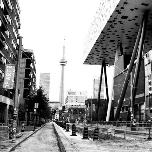 DSGN Design Cityscape Photooftheday Cntower IGDaily Nex5n Ocad City Toronto Blackandwhite Sky B Construction Fall School