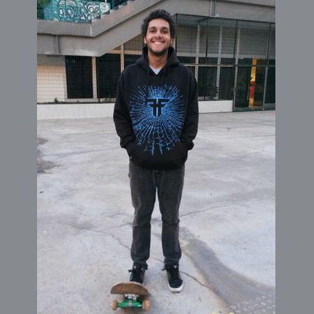 Quem nunca apanhou dessa vida, não sabe se defender Skatesalva Saopaulo Skate Skatelife Euskatesp Skateboard Vacation Roosevelt Praçaroosevelt Living And Learning
