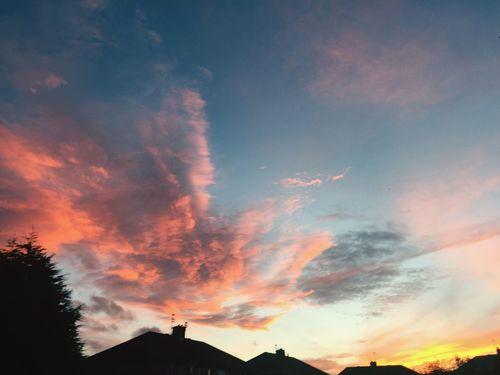 Sunset #sun #clouds #skylovers #sky #nature #beautifulinnature #naturalbeauty #photography #landscape Winteriscoming Winter Sky