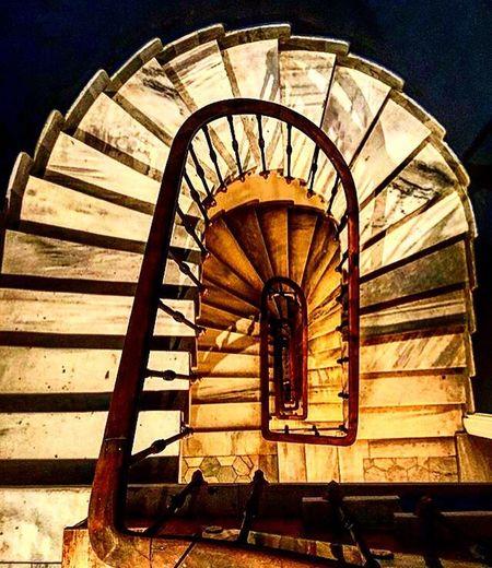 Architecture Merdiven Istanbulfotoğraf Istanbul Benimkarem Hayat Zaman Zaman Mekan. Huzur Sukut Steps And Staircases Siirsokakta Siirheryerde Siirinibiraktim #şair #şiirkokusu #şiiraşkı #poem #poetry #poet #şiirsokakta #şiir
