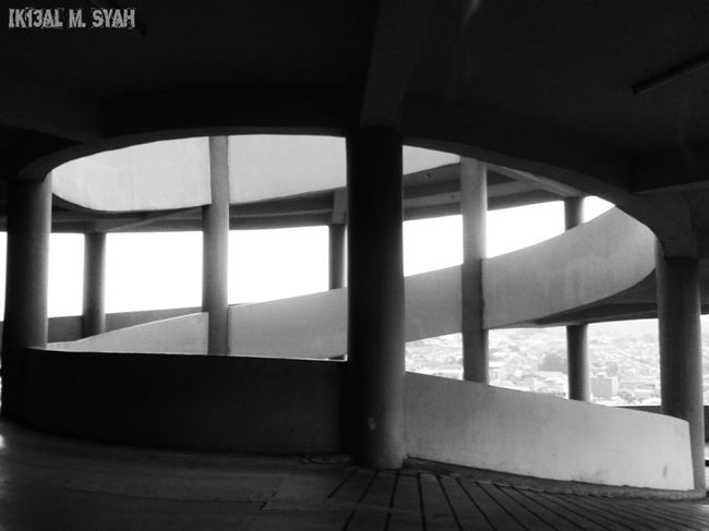 Black And White Blackandwhite Bwphotography Streetphotography Streamzoofamily Check This Out Architecture
