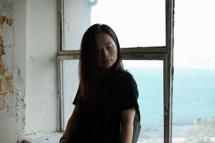 Young Women Long Hair Portrait Of A Friend Portrait Fujifilm_xseries Explore Hk Portrait Of A Woman