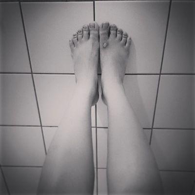 每天必做拉筋抬腿操 ??? 90 90days Workout Leg hurt everyday life achieve goal slender single girl love working July Saturday morning Taiwan