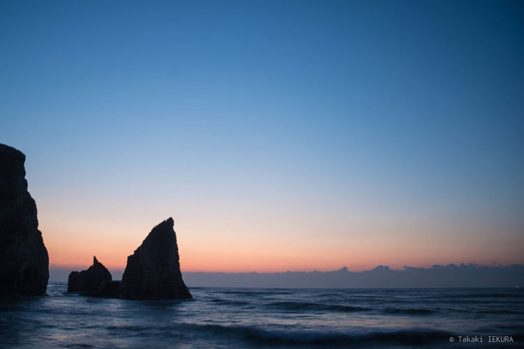Beauty In Nature Clear Sky Dawn Nature No People Outdoors Rock - Object Sea Sky Tranquil Scene Tranquility