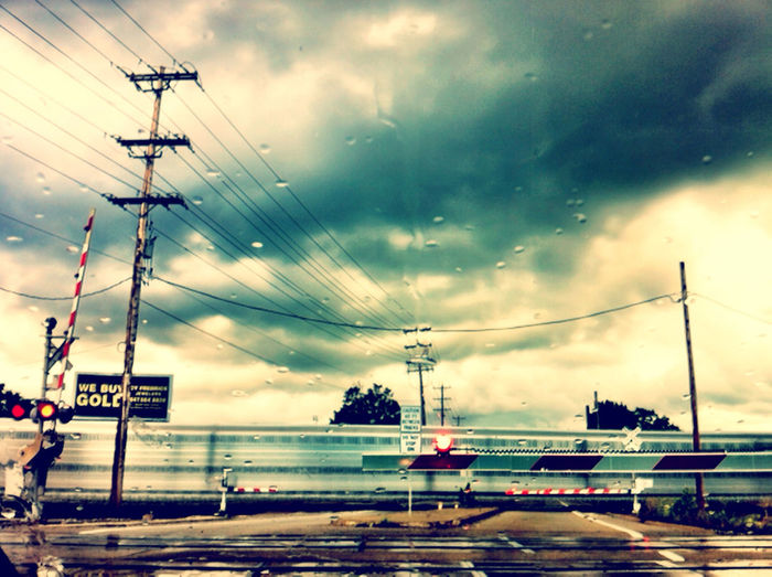 Commuting Power Lines