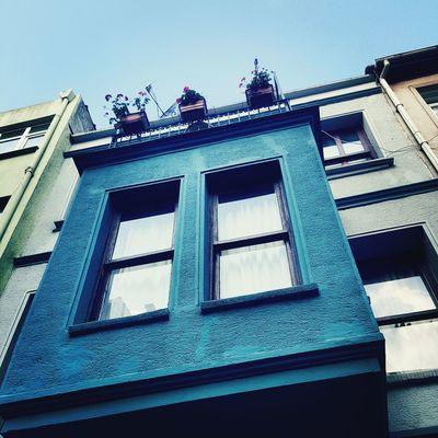 Kadıköy Yeldeğirmeni Taking Photos Blue House The Blue Sky The Blue House Colored Houses