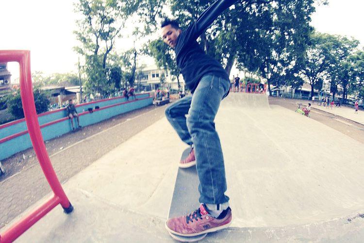 Skateboarding Miniramp Skatelife Skatepark Skateboarder Bandung Bandungcity Enjoying Life