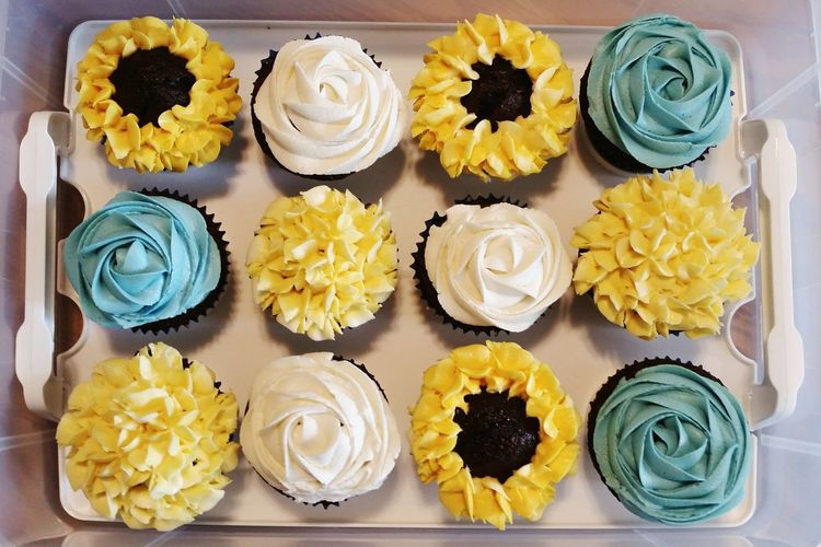 Cupcakes Cake Cake Decorating Frosting Piping Sunflower Roses Yellow Blue White Dessert Baking Dozen Food Colour Of Life Spring Summer Flowers