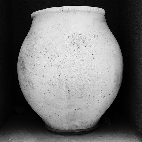 Vase. Blackandwhite Photography Mobilephotography Square Black&white Vscocam Htc One M8