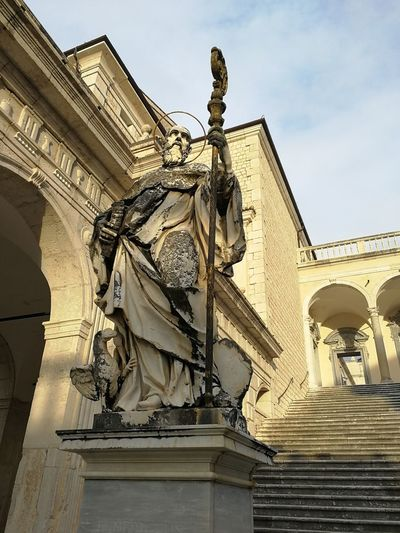 Scorcio abbazia Montecassino Low Angle View Architecture Sculpture Travel Destinations History Outdoors
