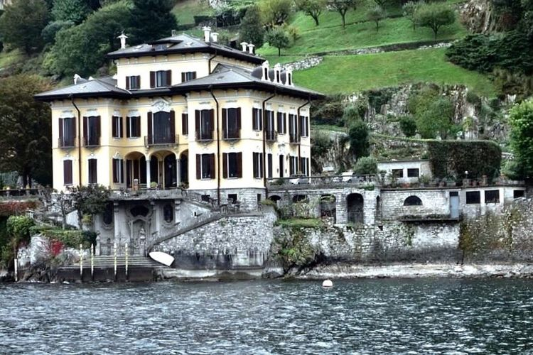Stunning view from Lake Como, Italy. Architecture Built Structure Water Building Exterior Travel Destinations Lombardy Lake Lake District Old Buildings Old House Wealthy Tranquility Tranquil Scene Tranquil Scene Outdoors Get Away Architectural Feature Lake Como Villa Lake Como Lake Como Italy Neighborhood Map Neighborhood Map The Great Outdoors - 2017 EyeEm Awards Villa The Architect - 2017 EyeEm Awards EyeEmNewHere The Architect - 2017 EyeEm Awards EyeEmNewHere