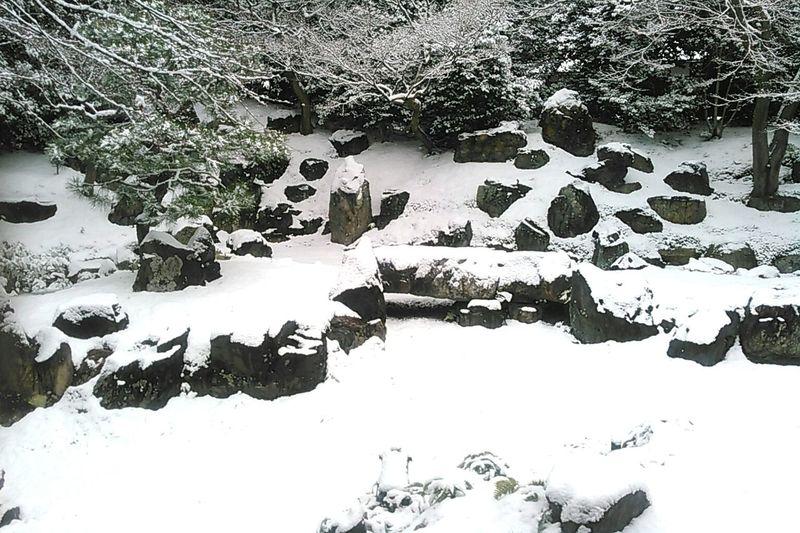 京都高台寺塔頭圓徳院北庭。 京都 Kyoto 圓徳院 Entokuin 寺 Temple 禅 Zen 雪 Snow 庭 Garden 日本庭園 Japanese Garden