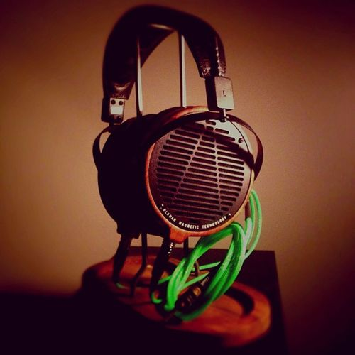 Audeze LCD2 recabled. Headphonelounge Headphones Hifi mimi