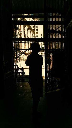 First Eyeem Photo Sombra Centrodorio Centrodoriodejaneiro Contraluz Contraluzgrafias Shadow Built Structure Warmlight Lines And Shadows Only Men Silhouette EyeEmNewHere