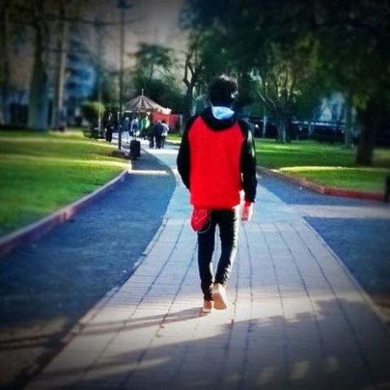 Walking with style!😁👌 Fashion Style Walking Bdn Park MuyPorno ComoSeDebe NoEsParaTanto
