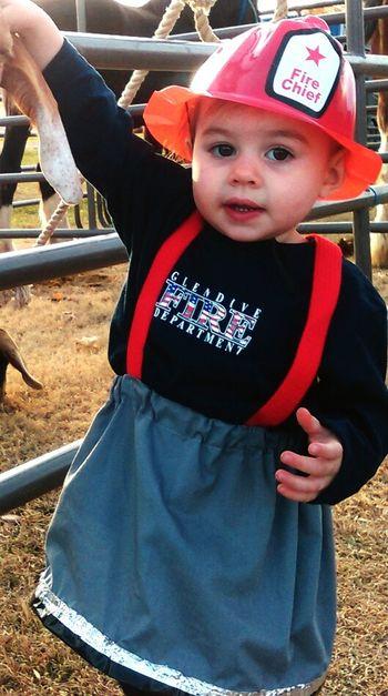 Got a pretty good picture of her costume here ☺ such a cutie