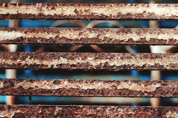 Full frame shot of rusty railing