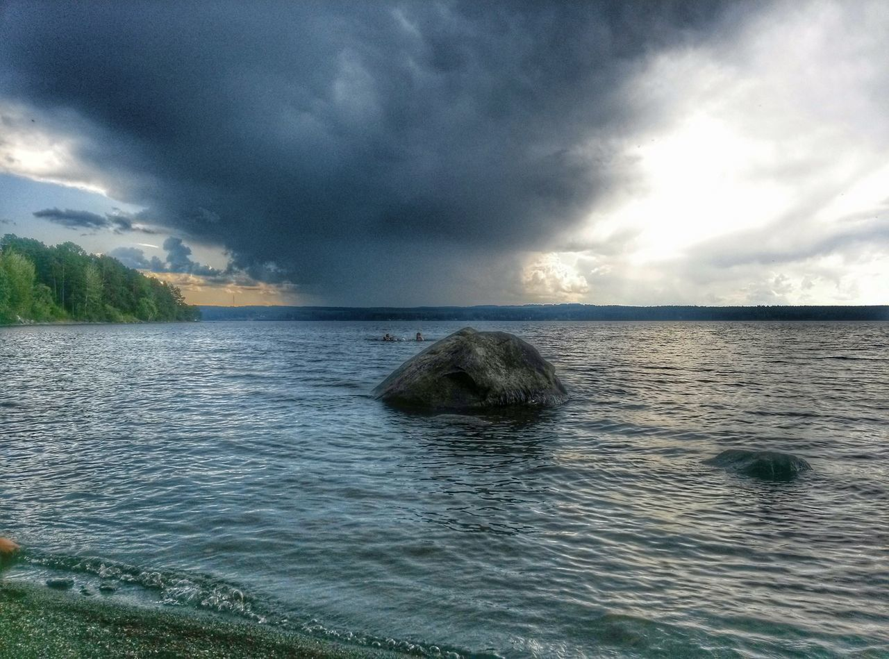 cloud - sky, water, sky, scenics, beauty in nature, nature, tranquility, sea, tranquil scene, no people, outdoors, waterfront, rippled, day, storm cloud