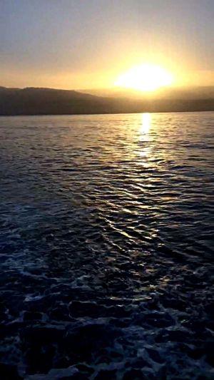 🌊☀️ Sunset Sky