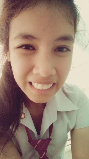 ยิ้มก่อนเรียนจ้า