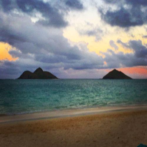 Sunrise Life Is A Beach Kailua  Mokuluas