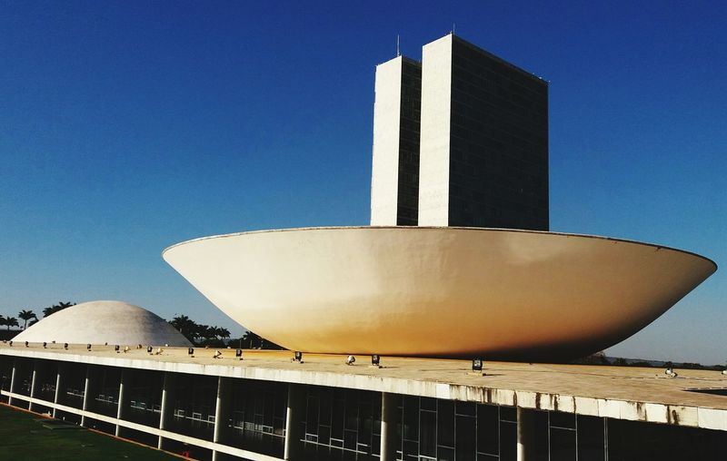 Brasília Congresso Nacional Oscar Niemeyer Praça Dos Tres Poderes EyeEm Selects Blue Golf Club Business Finance And Industry Sky Architecture