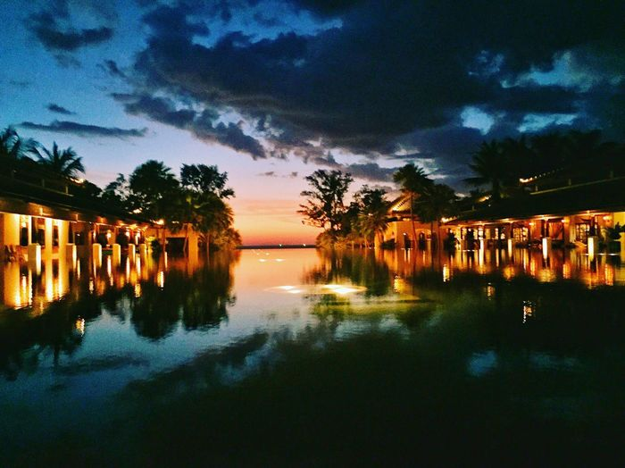 Reflection Water Sky Cloud - Sky Beauty In Nature Tranquility Tranquil Scene Silhouette Dusk Sunset Night Scenics