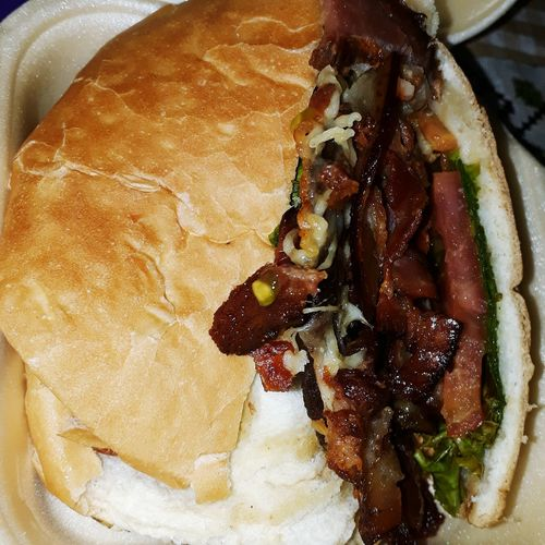 Sanduiche Bacon Sanduiche Goiás,GO Brasil ♥ Culinaria SaborATradicion Caiaponia Goiano Bacon! Saudavel Delicia Cozinha Manteigas Costumes Close-up Food And Drink