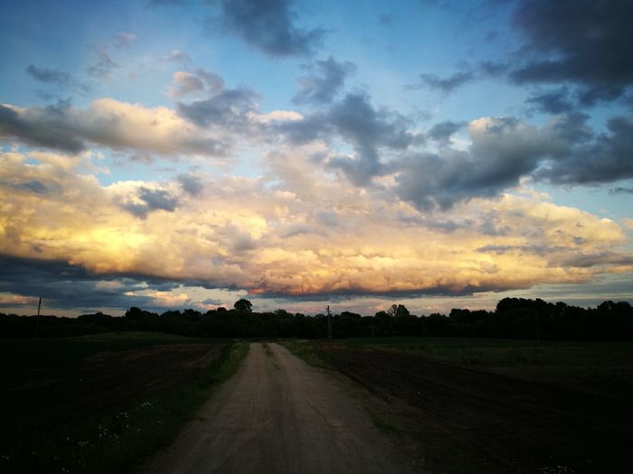 Cloud - Sky Sunset Beauty In Nature Outdoors Evening