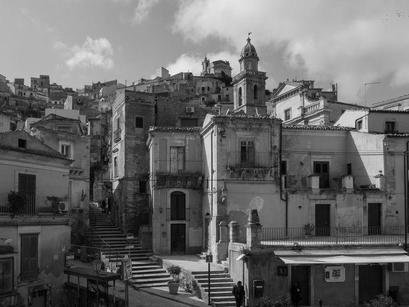 Architecture Beautiful Black & White Blackandwhite Building Exterior Built Structure City No People Outdoors Ragusa Sicily Streetphotography