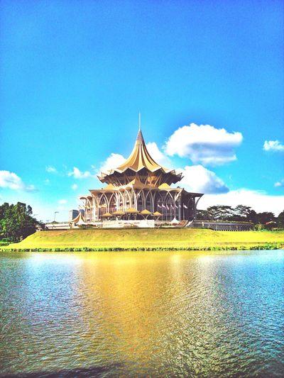 Bersatu, Berusaha dan Berbakti Dewan Undangan Negeri Sarawak Colour Of Life