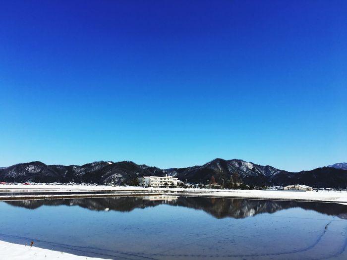 雪と小学校 School Toyooka City Sky Water Blue Copy Space Clear Sky Scenics - Nature Tranquility No People Lake Winter Snow Outdoors