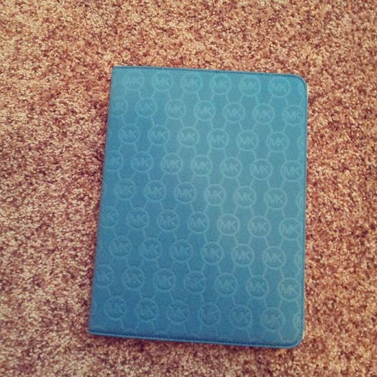 Michaelkors ipad case :) yey.
