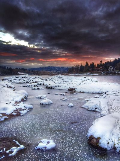 HDR Winter Sunset Snow Sky Weather Frozen Nature Outdoors Scenics Ice Beauty In Nature Cloud - Sky Tranquility Frozen Lake Tranquil Scene Winter Sunset Finding New Frontiers Natural Condition Cold Sunsets Landscape Sunsetporn View Weathered