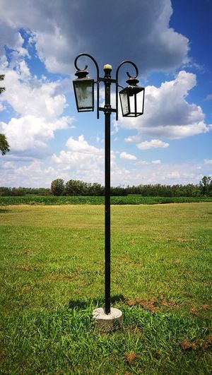 Simple y hermoso Lantern Countryside Life Simple Farol Cloud - Sky Sky Field No People Nature Grass Day EyeEmNewHere