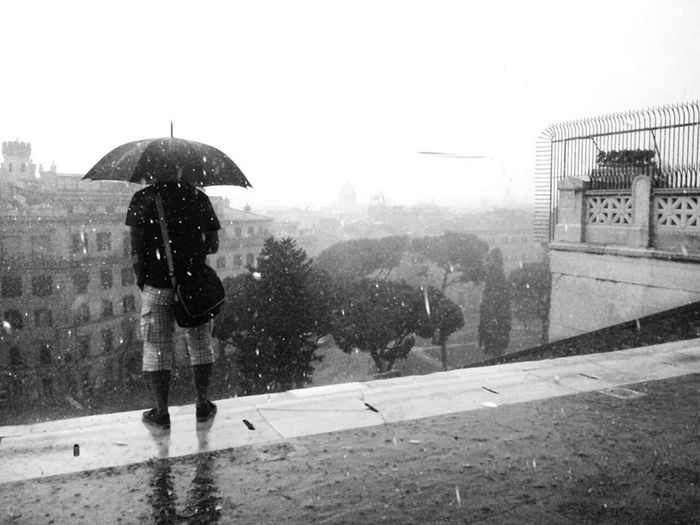 Rain in Roma Streetphotography Italy Travel Photography Black And White