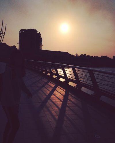 The Shadow Cầu đi Bộ Cần Thơ :)))