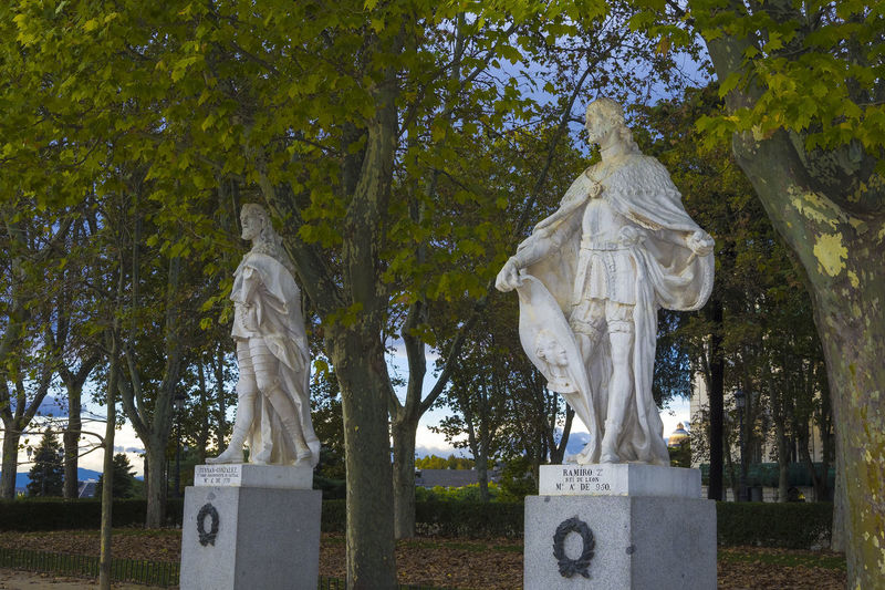 Statues of