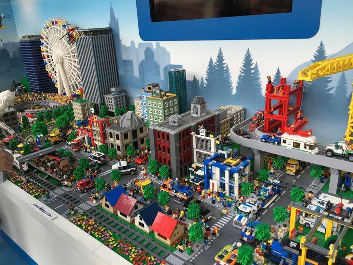 LEGO LEGOctiy BIG Diorama