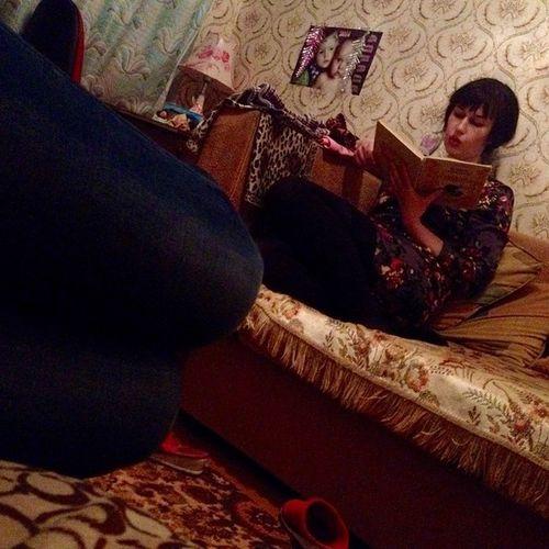 мамочка читает мне сказку классновернутьсявдетство😘😘😘
