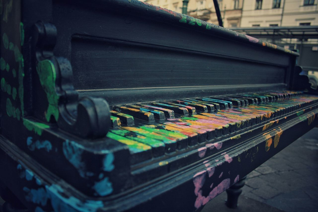 music, arts culture and entertainment, musical instrument, no people, close-up, technology, day, indoors
