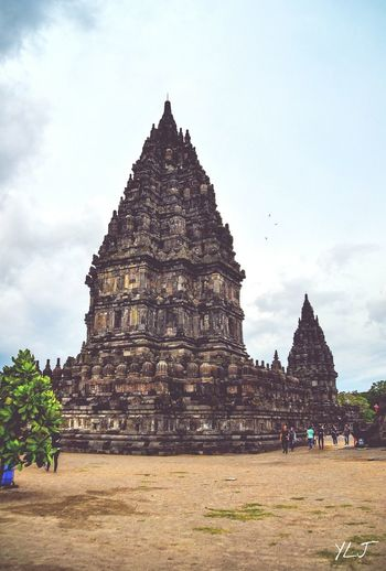 Prambanan Temple, Jogja - Indonesia🇮🇩. Prambanan temple compound, aUNESCOWorld Heritage Site, Originally there were a total of240temples standing in Prambanan but now only 18 temples stand and this is one of them. (Nikon D3100+Tamron 18-200mm F/3.5 - 6.3) Travel Destinations Place Of Worship Religion History Outdoors Sky Travel Naturephotography Nikonphotography Canonphotography Nikon First Eyeem Photo Canon Photography Photograph Photo Photographer Beauty In Nature Natureporn Landscape Day Nature Cloud - Sky NikonD3100 Architecture