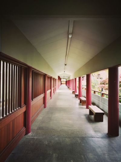 Indoors  Corridor Architecture No People The Way Forward Day Close-up Outdoors Roof Travel Destinations History Architecture Inner Peace Wish Pray Foguangshan Budist Tempel Museum New Zealand Hall