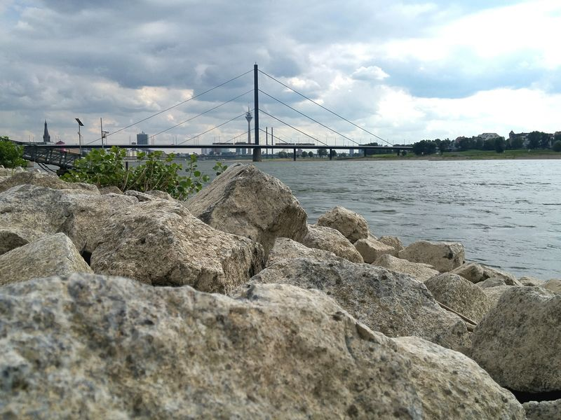 Rhinestones Rhine Rhine River Düsseldorf Am Rhein Düsseldorf Bridge Water River River View Rocks And Water Rocks August 2k16 August 2016 2016