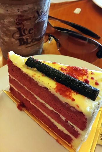 Red Temptation n Ultimate...ready make me fly. Redcake Foodlovers Thecoffeebean&tealeaf